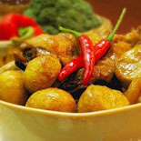 传统民菜栗子烧鸡