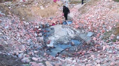 爆炸发生后,潜山县三一花炮厂的一座配药房被夷为平地