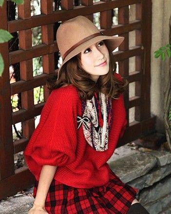 蝙蝠袖红色针织衫