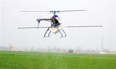 滁州种粮农民数十万元购三架飞机喷洒农药