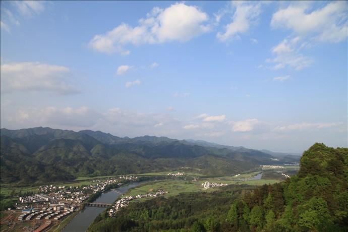 齐云山远景