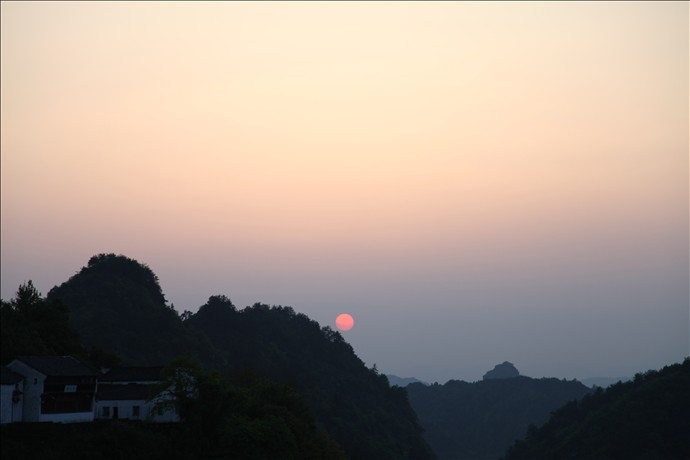 齐云山日出