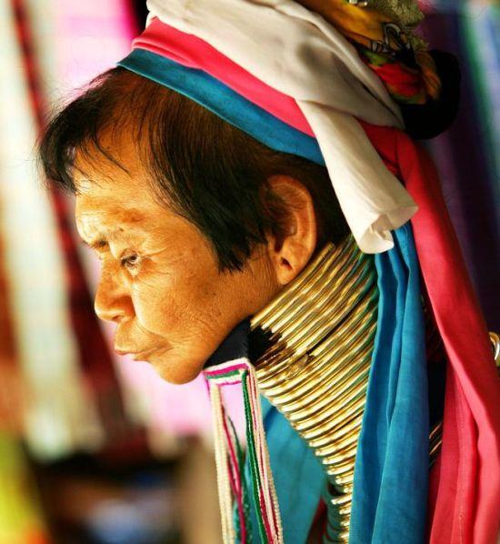 长颈族的妇女