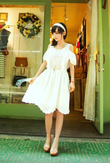 白色公主连衣裙
