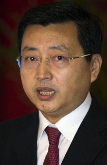 农行证实杨琨正协助有关部门调查