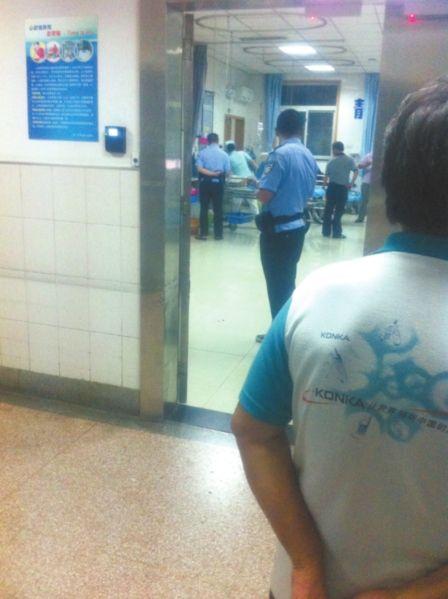 派出所民警前往医院调查