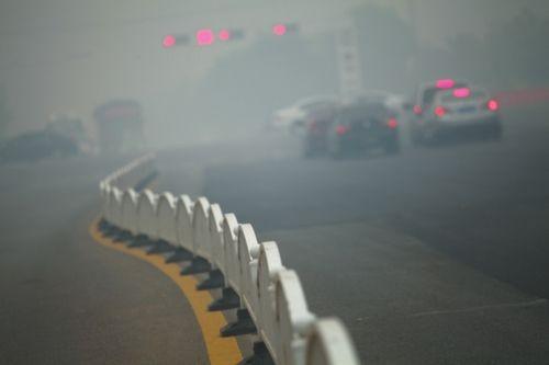昨日,亳州市区烟雾弥漫。