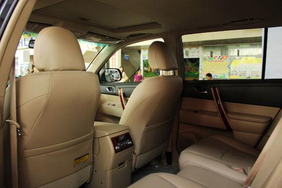 """第二排""""舰长式座椅""""堪称同级别车型中最舒适的商务座席"""