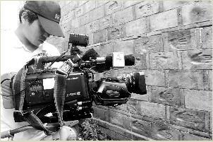 """安徽卫视""""第一时间""""栏目组慕名赶到铜陵采访。"""