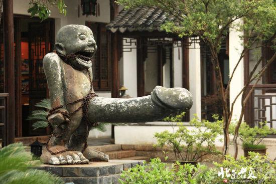 博物馆的雕塑