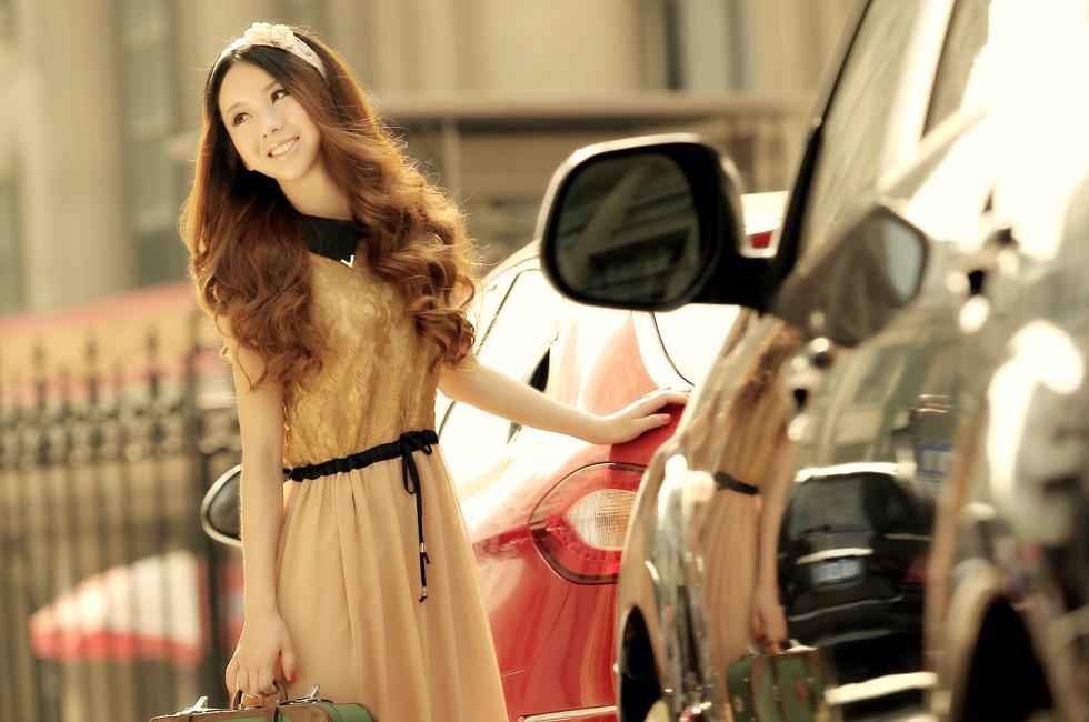 达人变星记:他们都说我像佟丽娅-金属色连衣裙