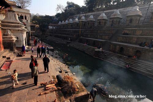 尼泊尔火葬