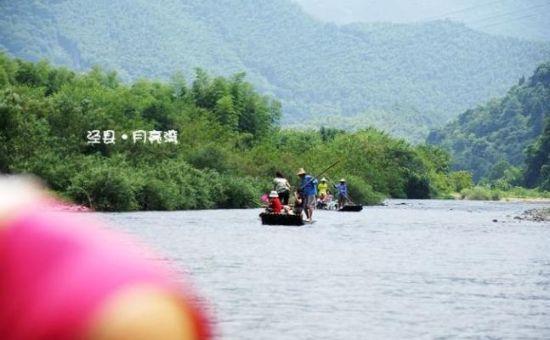 安徽宣城泾县风景图-泾县月亮湾漂流简介高清图片