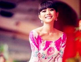 实拍越南街头时髦女孩
