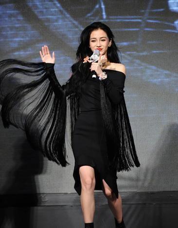 黑色流苏裙_