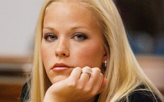 三、黛布拉与一名14岁男生多次发生性关系
