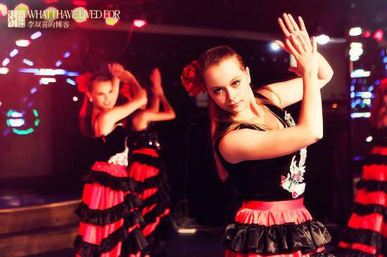美丽的舞女 摄影:李双喜
