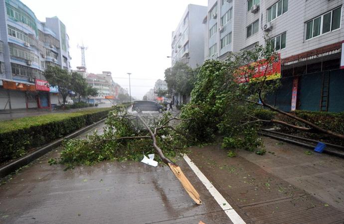 强台风来袭