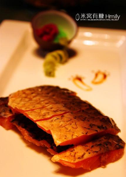 醉鱼干,我记得在绍兴的时候也吃过,黄山地处新安江流域,自然鱼类丰富喽