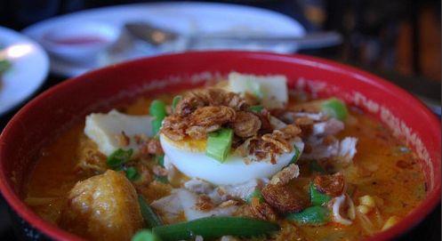 马来西亚海鲜咖喱米粉汤