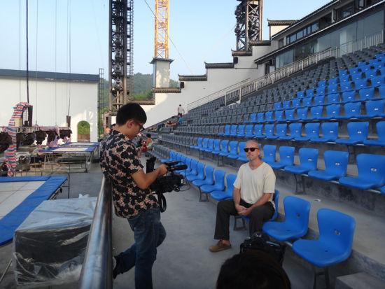 阿菊作曲家接受采访