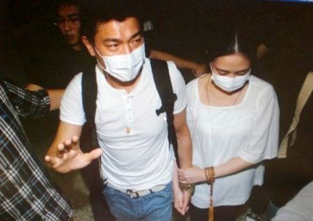 1、刘德华、朱丽倩:24年长恋