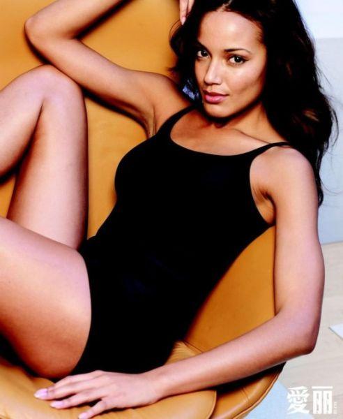 赛丽塔-伊班克斯 出生于加勒比海地区的英属开曼群岛。2001年2月,赛丽塔-伊班克斯 首次亮相纽约时装周为图勒 (Tuleh) 秋装走秀。   赛丽塔-伊班克斯在最新的全球最性感TOP 20超模排名中,位列第7