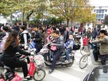 中国式接送孩子放学