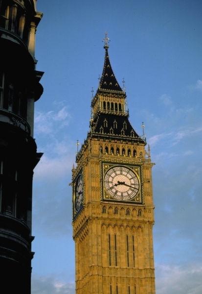 英国公务员跌入20大厌恶职业榜