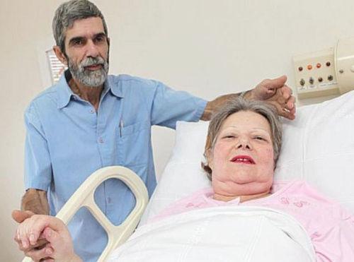 61岁的巴西老妇阿斯蒂近日成功生下了一对双胞胎,成为南美洲最年长的产妇