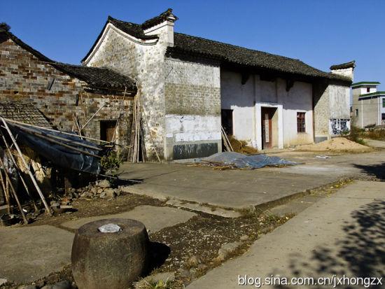 这样的老房子还有没有人住呢