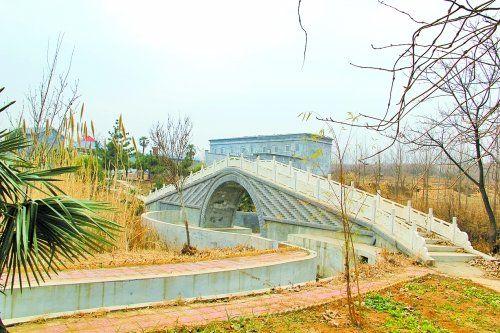 有小桥、有溪流、有池塘、有凉亭……