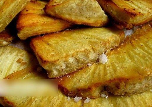 面包树做成的食物