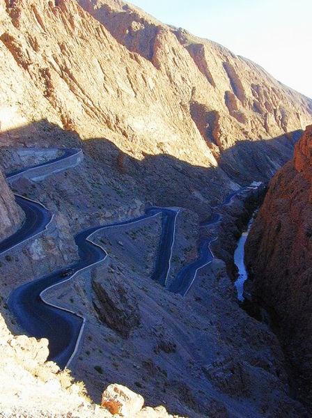 蛇形公路,达兹峡谷,摩洛哥