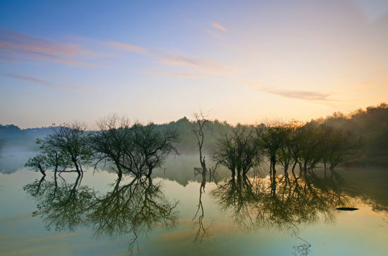 平天湖的早晨 宛若仙境