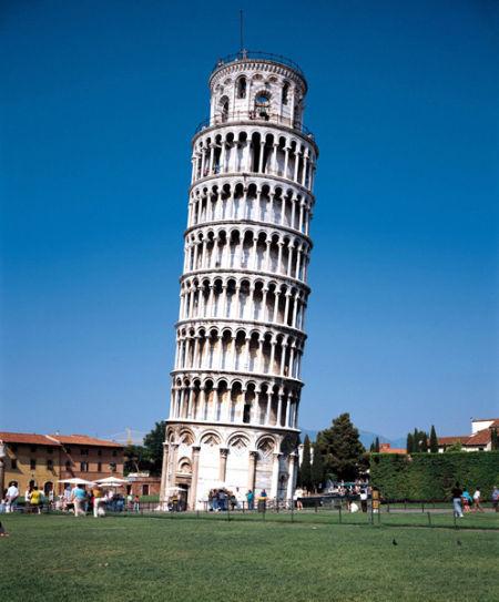 比萨斜塔  比萨斜塔是意大利比萨城大教堂的独立式钟楼,于...