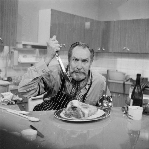 1970年,在伦敦泰晤士电视台演播室里,Vincent Price在谋杀一块肉哦!