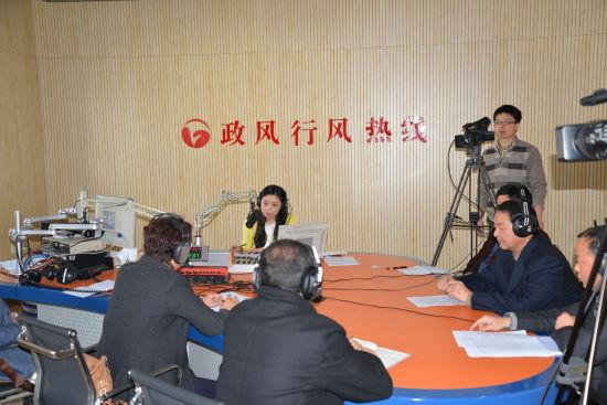 2013年3月6日省教育厅副厅长金燕率队上线
