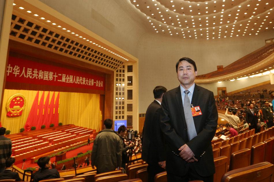 全国人大代表、安徽天方集团董事长郑孝和在人民大会堂