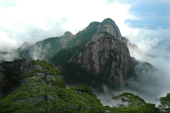 石台牯牛降主峰