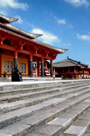 国际在线 2013年6月7日00:00盘点中国八大最具人气影视城...