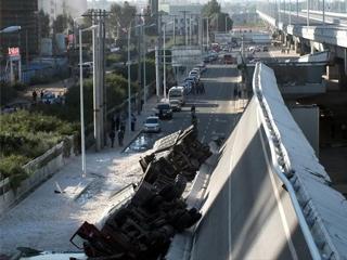 哈尔滨阳明滩大桥通车不到一年断裂 多人死伤