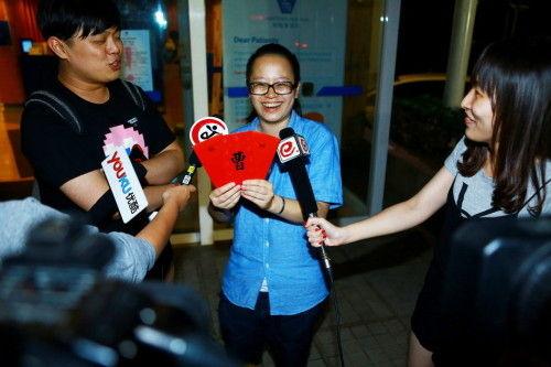 新浪娱乐讯 7月15日晚,著名演员姚晨顺利生下一男孩,6斤2两,目前母子平安。