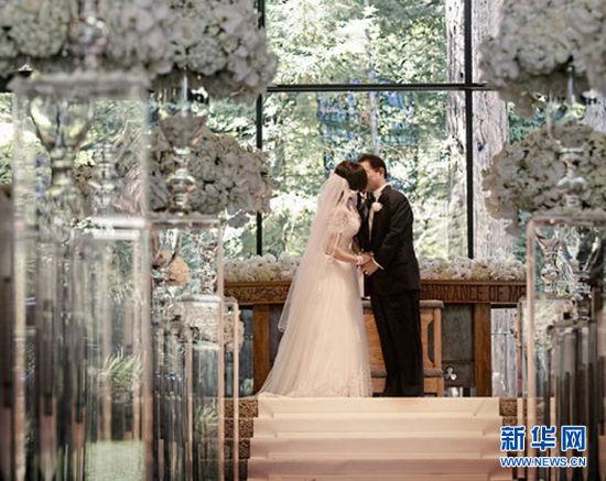 刘晓庆与william深情一吻