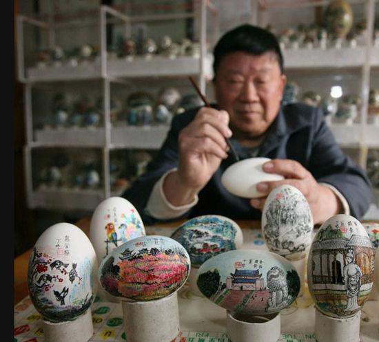"""1400多枚蛋壳上""""画出""""世界纪录"""