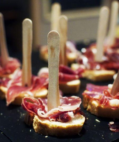 意大利熏火腿与面包的混搭