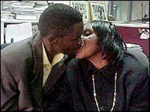 津巴布韦女子与亲生儿相恋三年