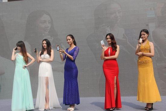 近距离感受电信iPhone5SiPhone5C的魅力