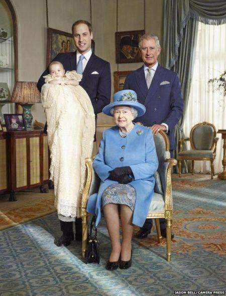英国皇室四世同堂照