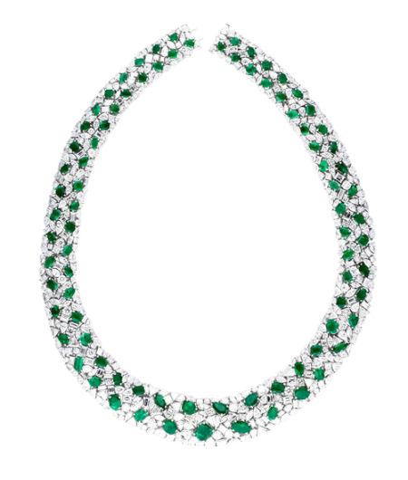 白色18K金祖母绿钻石项链 (301颗祖母绿,68颗钻石,零售价2,093,000元)